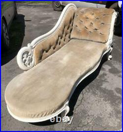 An Antique Victorian Olive Green Velevet Chaise Longue / Chaise Lounge / Daybed
