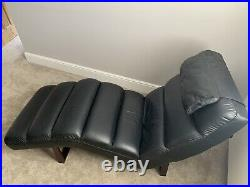 Beautiful Italian Leather Chaise Lounge, Excellent Condition