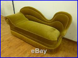 DK019 Danish Green Velour High-Backed Chaise Longue Vintage Retro Interiors