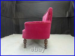 EB907 Plum Velour High-Backed Chaise Longue Vintage Lounge Seating
