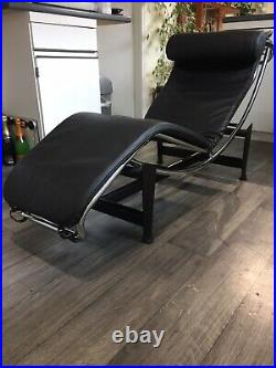 LC4 Chaise Lounge Le Corbusier Style Black and Chrome