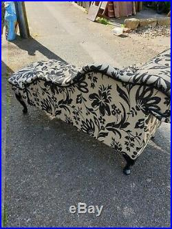 Small Black and Cream Chaise Longue Seat Sofa With Matching Cushion Can Deliver